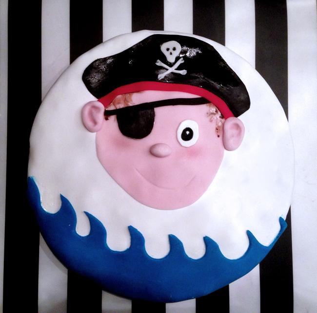 Kuchen mit Gesicht / Piratenkuchen