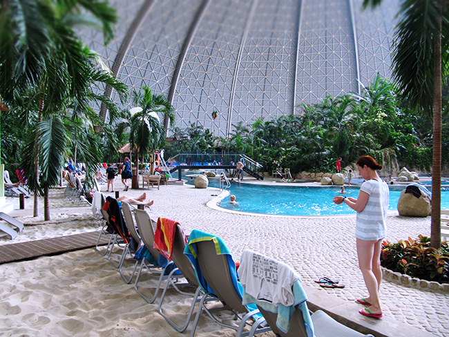 Tropical Island- schwimmen mit Kindern